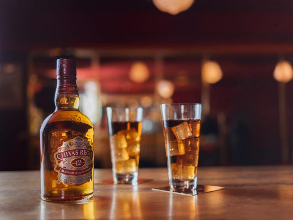 Fotografía Publicitaria Whiskey Chivas Regal